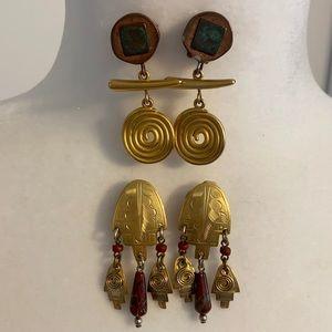 2 pairs of Vintage Clip Earrings.